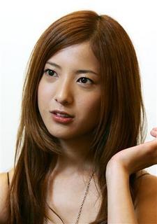 吉高由里子 本名は?目が怖い?熱愛相手は生田斗真?高良健吾?RADWIMPS?野田洋次郎?